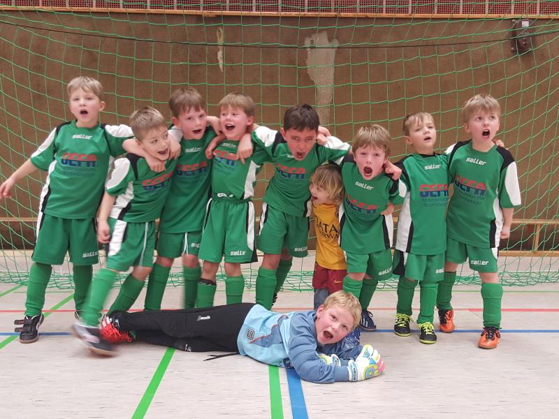 Minikicker erreichen zweiten Platz beim VfB Schloß Holte